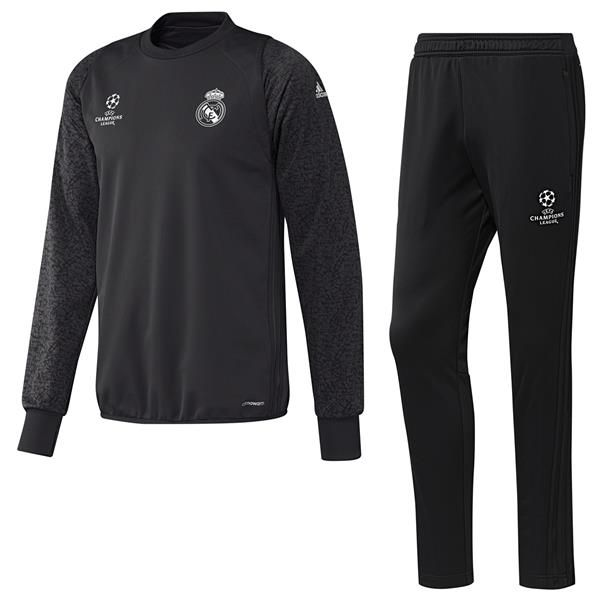 Real Madrid Trui €135,-